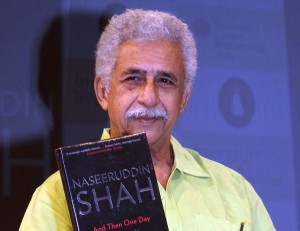 Naseeruddin-Shah-launching-his-book_And-Then-One-Day-A-Memoir_at-the-book-launch-event-organised-by-Literature-Live-Evenings-and-Penguin-India-in-association-with-NCPA